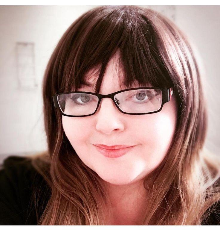 @mariaherself666 Looks gorgeous in Lush style: Autumn Oak  Thank you.  . . #lushwigsautumnoak #lushwigs #wig #lushhair #wigs #cutewig #cute #alternativehair #ombrehair  Lushwigs.com (link in bio)