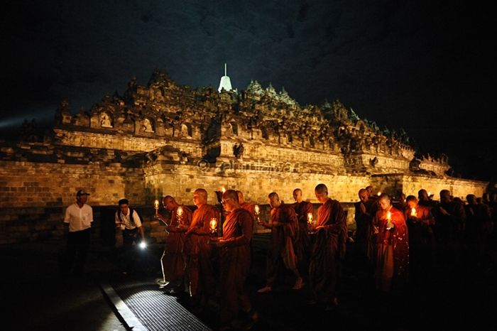 Amazing  Vesak Day celebrations at the Borobudur temples