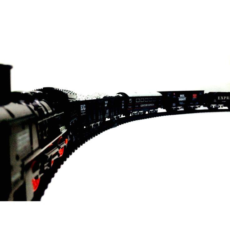 (12) Tren Eléctrico 4 Vagones Rail King Oferta Pilas Gratis - $ 144.99 en MercadoLibre