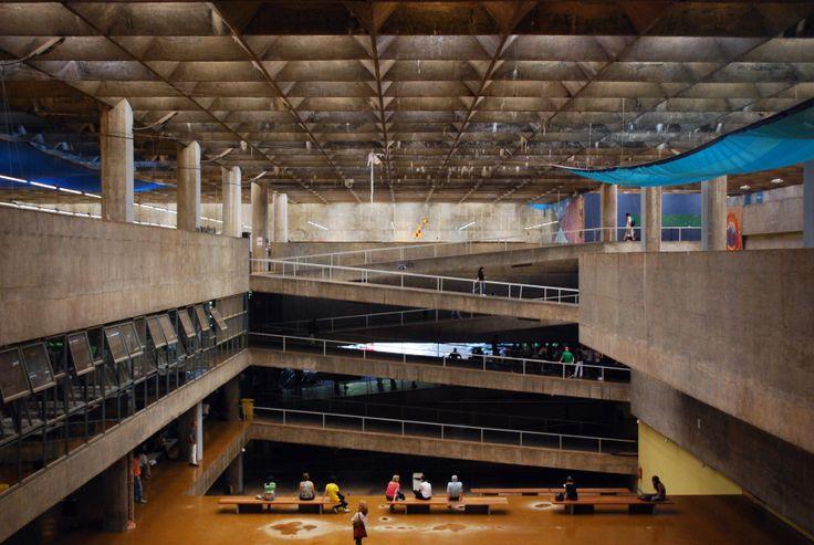 Facultad de Arquitectura y Urbanismo, Universidad de Sao Paulo (FAU-USP) / João Vilanova Artigas y Carlos Cascaldi