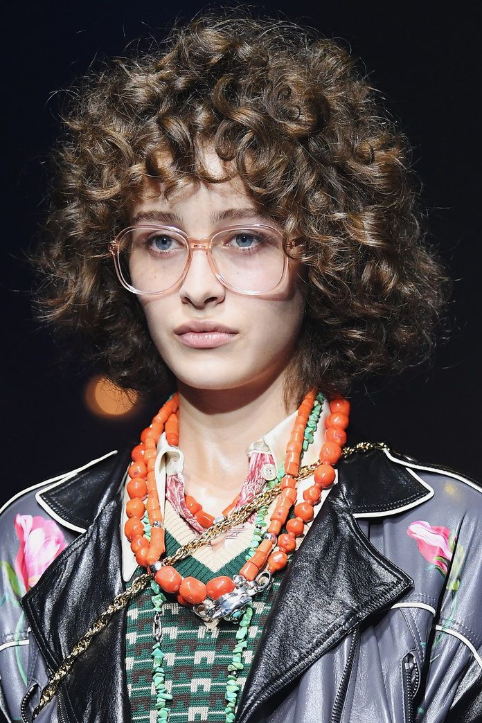 689942a9ce8 Gucci s Spring 2018 Beauty Looks Were Your Mom s Favorites in the  70s     80s