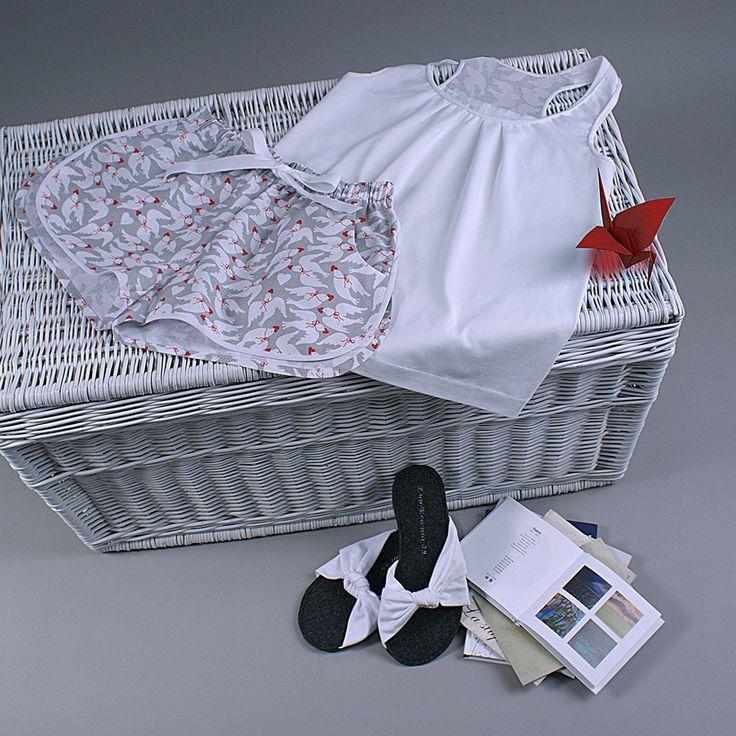 Śliczna piżama. Możesz ją mieć. Szorty oraz top dostępne są w różnych wariantach kolorystycznych na DaWanda i Pakamera. Zapraszam!