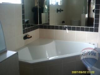 300487367 – 4 Bedrooms 2 Bathrooms Dan Pienaar,Bloemfontein,Free State | RE/MAX First | Properties for sale in Bloemfontein