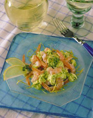 Una junta con amigos se acompaña de una receta sabrosa y entretenida. Prepara unos Camarones con Mayonesa y Ensalada Fresca, una excelente combinación.