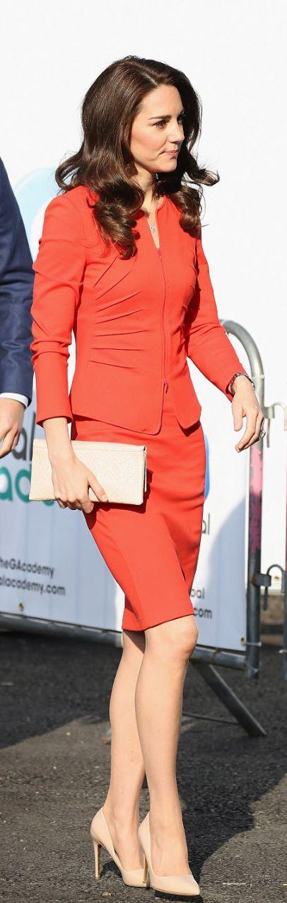 Kate Middleton: Jacket and skirt – Armani Collezioni  Jewelry – Mappin & Webb