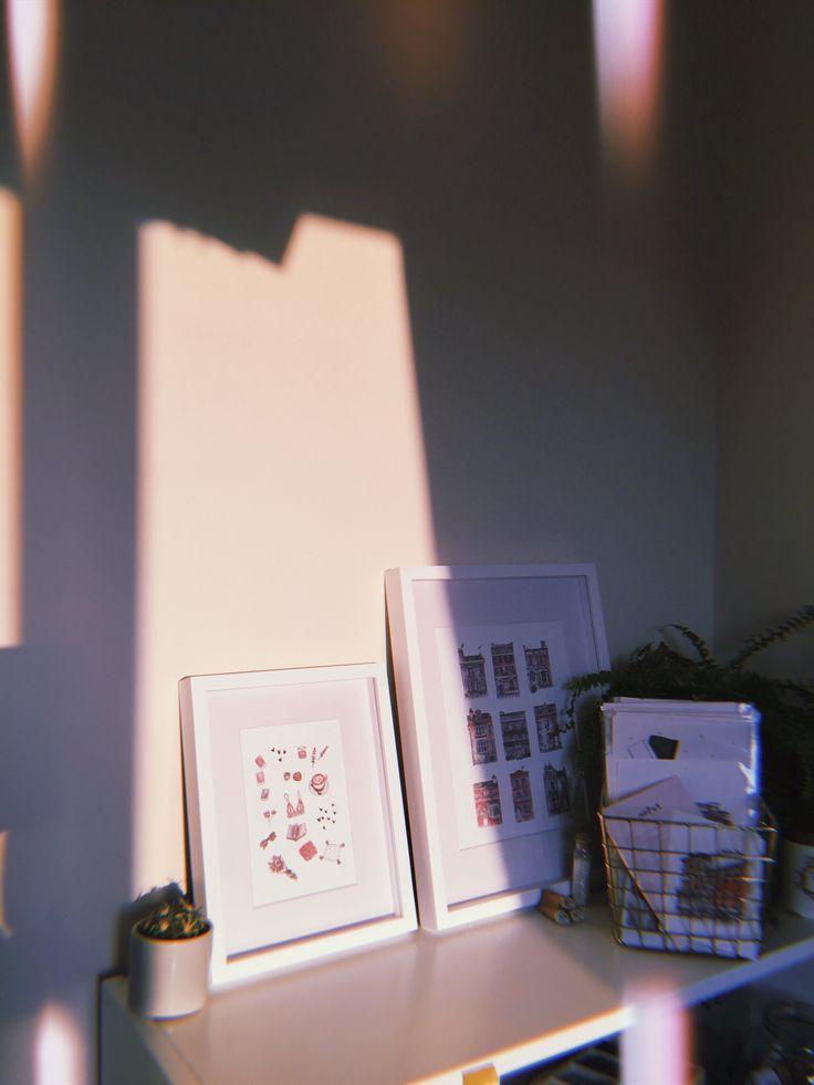 @hannahcromwell instagram office light