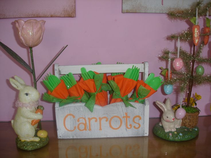 Easter Carrot Cutlery In box stencilled using Cricut Alphalicious Cartridge