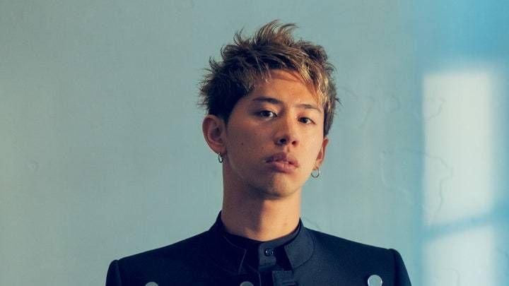 ワンオクtakaの髪型 2020最新 短髪ショート パーマまでセット オーダー方法を解説 Slope スロープ Taka 髪型 ワンオク ワンオク Taka 髪型