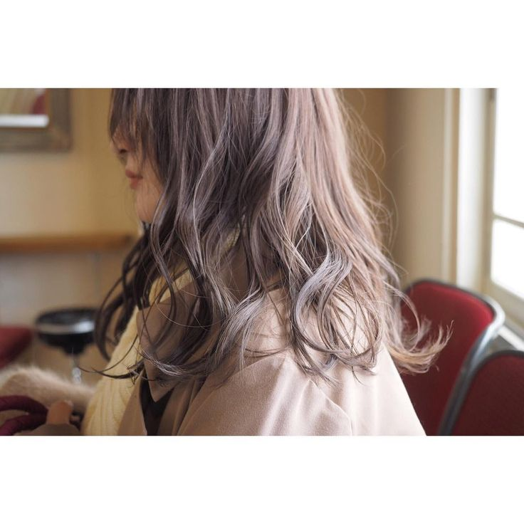 街も一気に雪景色ですねそんな冬にオススメのピンクグレージュです⛄️⛄️⛄️ #帯廣美容所#担当タンノ#ヘアスタイル#ヘアカラー#ハイライト#ハイトーン#ローライト#トーンダウン#イルミナカラー#ピンクグレージュ#ピンクベージュ#シアーピンク#冬髪#透明感#フォト#カメラ#写真#北海道#帯広#帯広美容室 #hairstyle #hair#haircolor #photo#photography #fashion#snap#wella#グレージュ