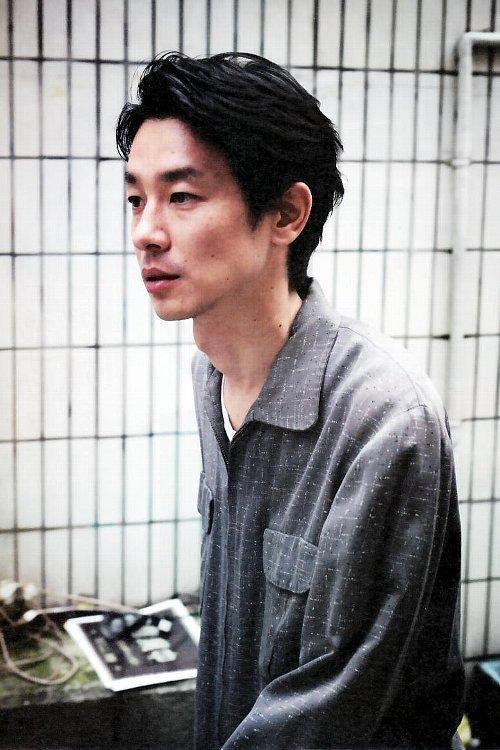 俳優の加瀬亮