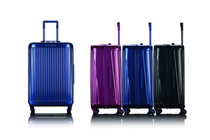 The perfect synthesis of reliability and lightness. Preview and advance sale on: www.piquadro.com