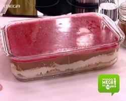 Γλυκό ψυγείου με φρυγανιές κρέμα και ζελέ anfreas lagps