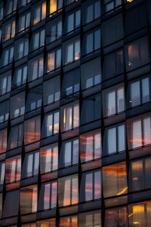sunset reflection on windows | Минимализм, Фотографии ...