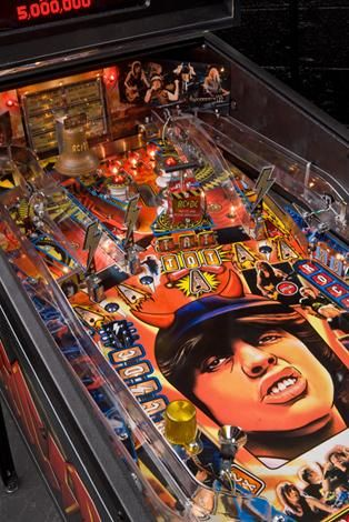 If I had to buy a pinball machine for some reason, I would get this one!