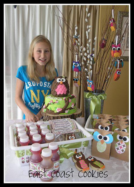 tree. cute gift bags. Happy Owl Party! by East Coast Cookies, via Flickr