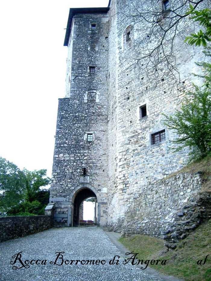 Rocca Borromeo, Angera Apertura al pubblico: si  con barriere architettoniche presenti-Open- no handicap accessible-Ticket  Da visitare: Museo della Bambola (nel castello) il Lungolago