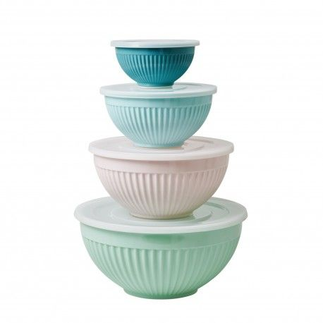 Ensemble 4 splendides bols/saladiers en mélamine avec couvercles hermétiques qui passeront directement du réfrigérateur à la table. Les bols passent au lave-vaisselle. Dimensions :22x11 cm18x8,5 cm14,5x7,5 cm Mélamine RICE