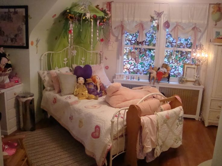 images of fairy bedrooms for little girls   Little Girl's Dream Bedroom  Photo by pamjaffee  