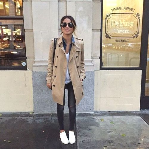 beige trench coat outfit, Classic trench coat in all seasons http://www.justtrendygirls.com/classic-trench-coat-in-all-seasons/