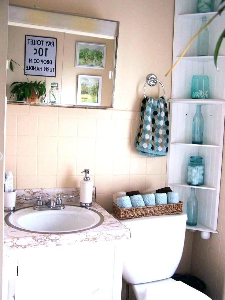 6 Blue Bathroom Ideas Soothing Looks Houseminds Blue Bathroom Brown Bathroom Decor Blue Bathroom Decor