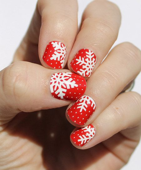 Winter nail art in red