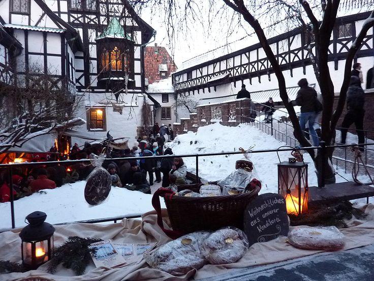 """""""Weihnachtsmarkt? Oah ne! Ist doch sowieso immer das gleiche!"""" - So oder so ähnlich denken Millionen Menschen jedes Jahr. Doch jetzt gibt es endlich Heilung: Die etwas anderen Weihnachtsmärkte und Adventsausflüge in Thüringen beugen Dejavus vor! Foto: Elke Ehrich / Wartburg-Stiftung Eisenach"""