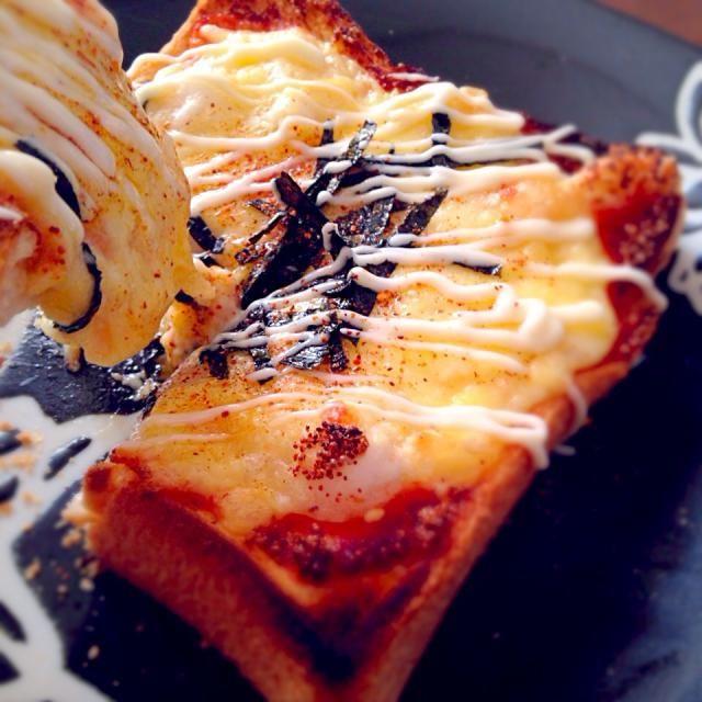 おはようございますヽ(〃v〃)ノ 大好きな明太子マヨにチーズとお餅がめっちゃ伸びてめちゃうまぁぁー❤️❤️ 朝から幸せッ❤️ sakurakoさん❤️ 素敵なレシピありがとぉございます✨ お先に食パンで作ってたsato*さん❤️ 参考にさせてもらったので食べともお願いしますヾ(●´ω`●) - 72件のもぐもぐ - sakurakoさんの料理 本日のランチは明太餅ピザ~(^ω^) by RaaRaa