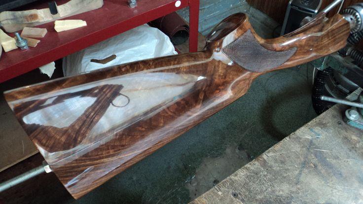 Обработка ружейного приклада средствами для дерева
