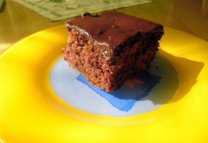 Bögrés csokis meggyes sütemény