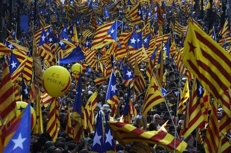 """""""Què vol aquesta tropa?""""  -Un nou Estat d'Europa.  """"Què vol aquesta gent?""""  -Catalunya independent!"""