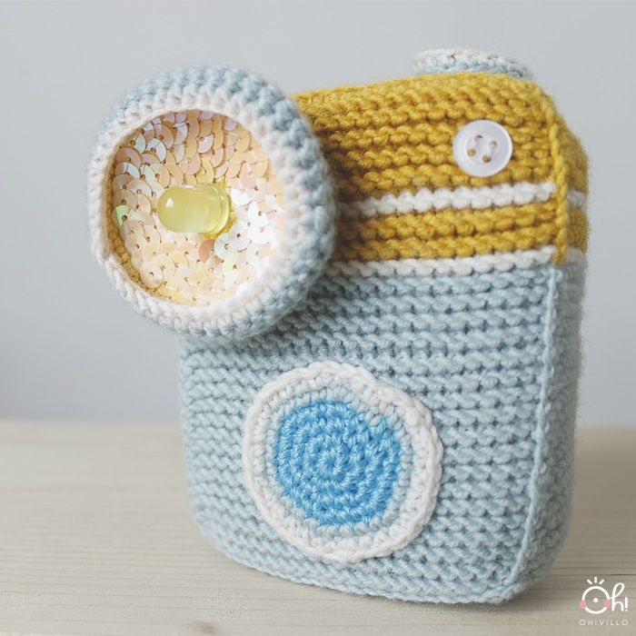 Amigurumi photo camera ... with flash!