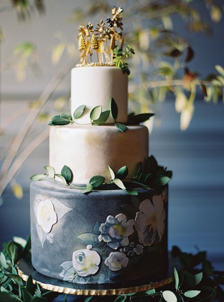 glamorous wedding cake stand 55 best wedding cakes images on cake wedding 14712
