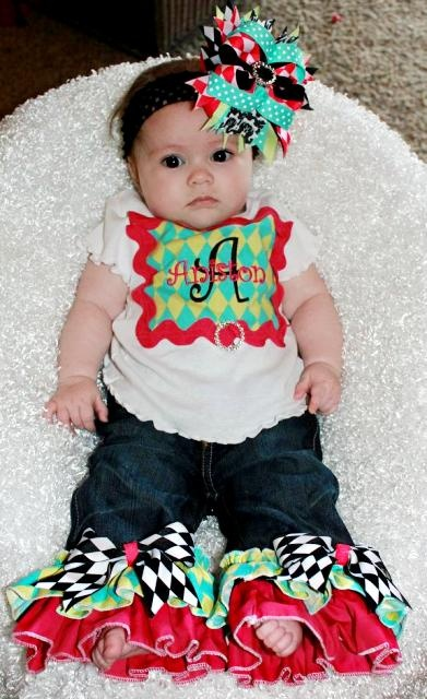 This is why I need to learn to sew!!  Sooo super cute and Adleigh would look so cute in it!!