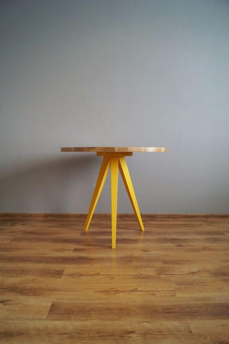 "Stół ""Just Oak 3 colour""  od Pracownia EMBE"