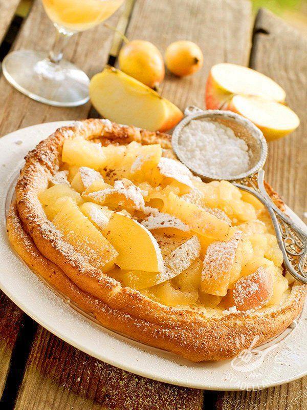 Dutch pancakes with apples - Le Frittelle olandesi con le mele sono dolci della tradizione culinaria olandese. Buone e sfiziose, rappresentano una tentazione golosissima per tutti.