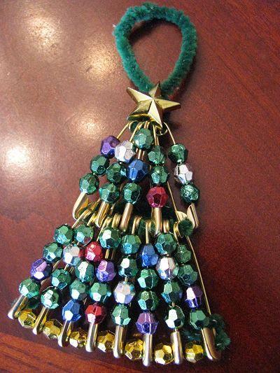 Christmas Tree Ornament Adorno de Navidad Imperdibles y bolitas de pulseras