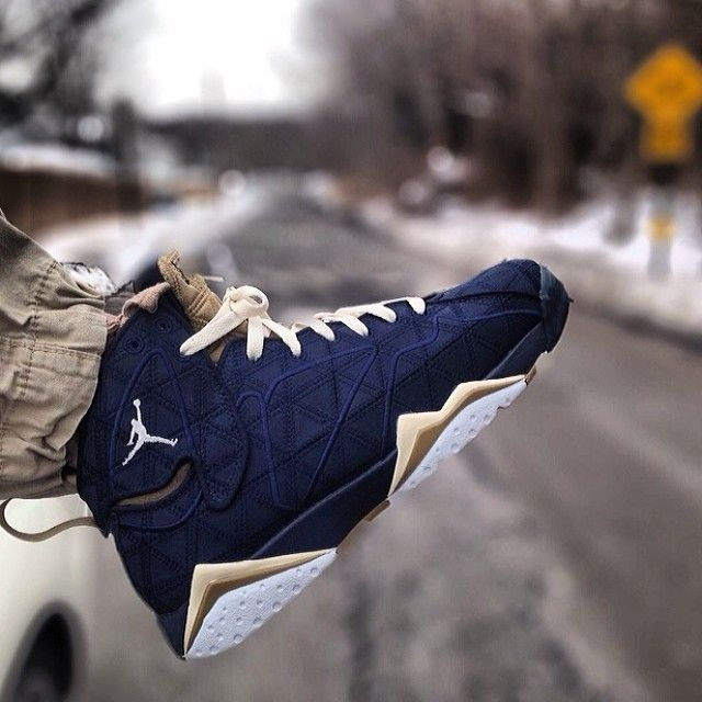 "Air Jordan 7 ""Obsidian"""