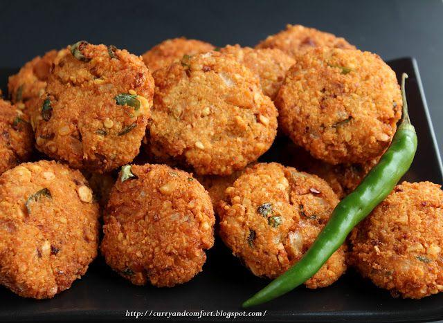 Masala Vadai ( Deep Fried Lentil Snack)