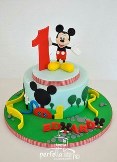 1000+ ideas about Mickey Mouse Cake on Pinterest | Minnie ...