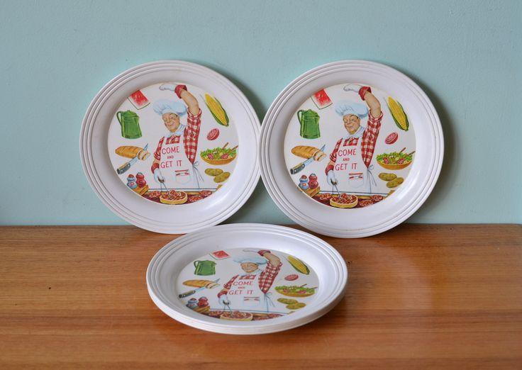 Vintage British plastics plates picnic ware x 6 - Funky Flamingo