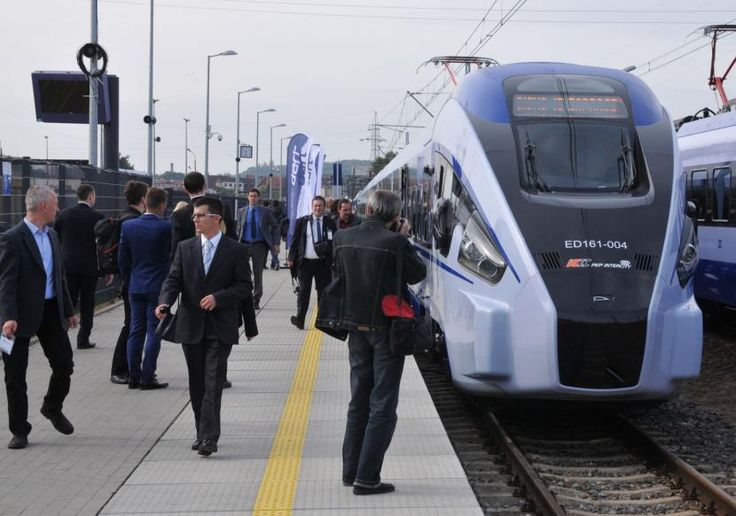 Premiera pociągu Dart z Pesy na XI Międzynarodowych Kolejowych Targach TRAKO Gdańsk 2015