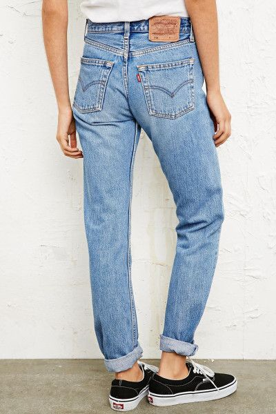 straight leg jeans - levis, high waisted, mom jean-esque, light wash