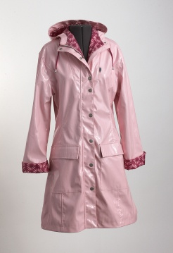 Regnkappa från Ösregn: Regnkappa Från, Style, Pink Kind, Regnkappa Strawberries, Pink Raincoat, Strawberries Cream, Rosa Regnkappa, Från Ösregn, Cream Ösregn