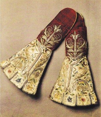♒ Enchanting Embroidery ♒  Medieval Embroidered Gloves