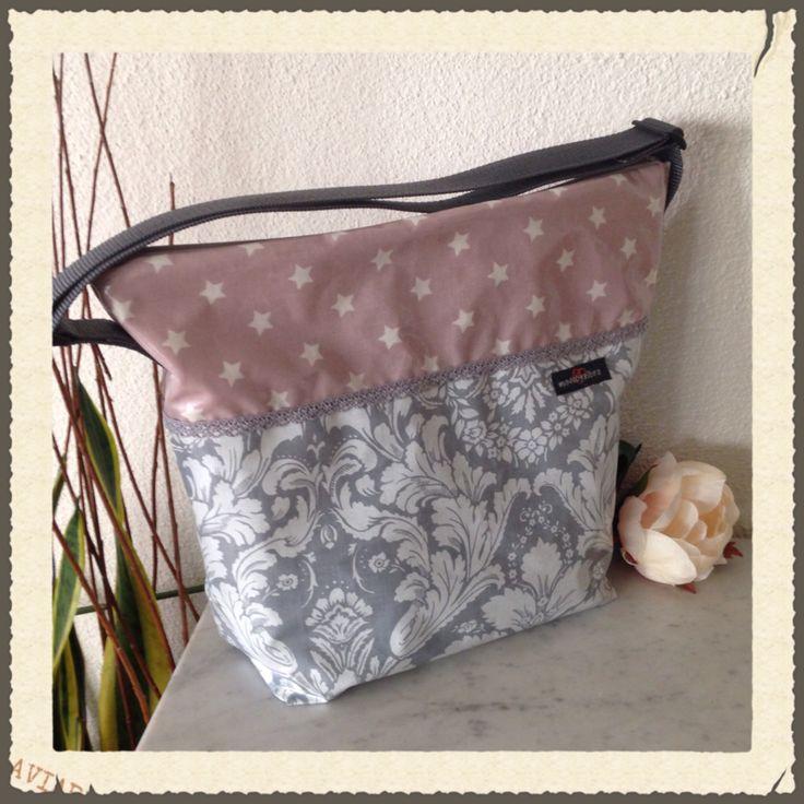 Tasche aus Wachstuch Innenfächer mit und ohne Reissverschluss Zu finden bei www.madebyelbra.ch