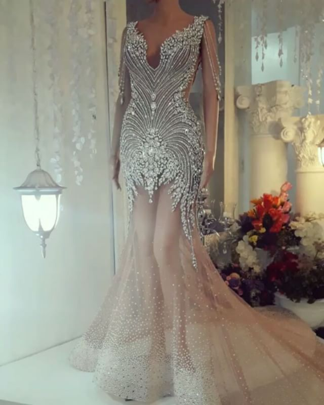 LUXURY Masterpiece by @leoalmodal Fashion Coordinator: @mohseph +639175365401 sms viber whatsapp Info@almodal.com WWW.ALMODAL.COM #leoalmodal #almodal #leoalmodalhautecouture #luxury #hautecouture #couture #highfashion #crystals #jewelry #eveninggown #bridalgown #weddingdress #weddinggown #elegant #bridal #tinghun #redcarpet #missuniverse #missgrandinternational #missinternational #missearth #missworld #masterpiece #crystals #gown