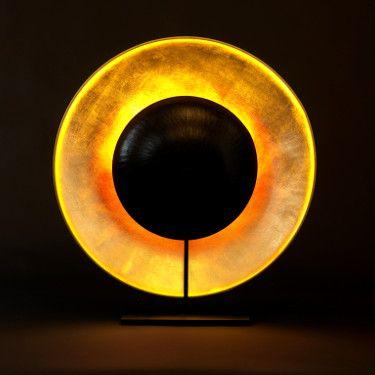 ÉCLIPSE - Lampe à poser. Création Céline Wright 2016.  Reflets rouge et or qui évoquent la lumière magique d'un coucher de soleil. http://www.celinewright.com/creation-celine-wright-fr-230-pt.php