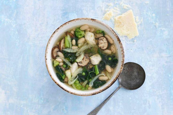 Goedgevulde maaltijdsoep met venkel, Italiaanse groente en kip: squisito! - recept - Allerhande