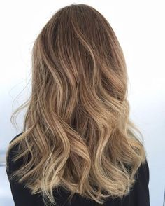Caramel honey balayage #caramel #honey #balayage #curls #mediumlength #hair #hairstyles #ombre