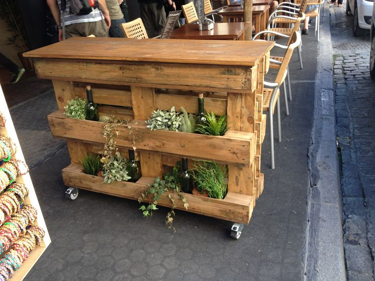 84 best images about muebles y cosas hechas con palets on pinterest - Macetas hechas con palets ...